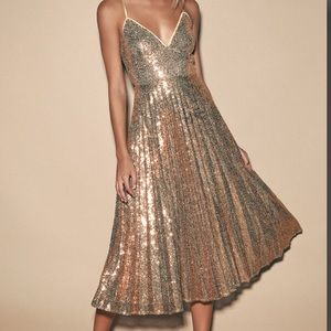 Lulus Rose Gold Sequin Pleated Midi Dress